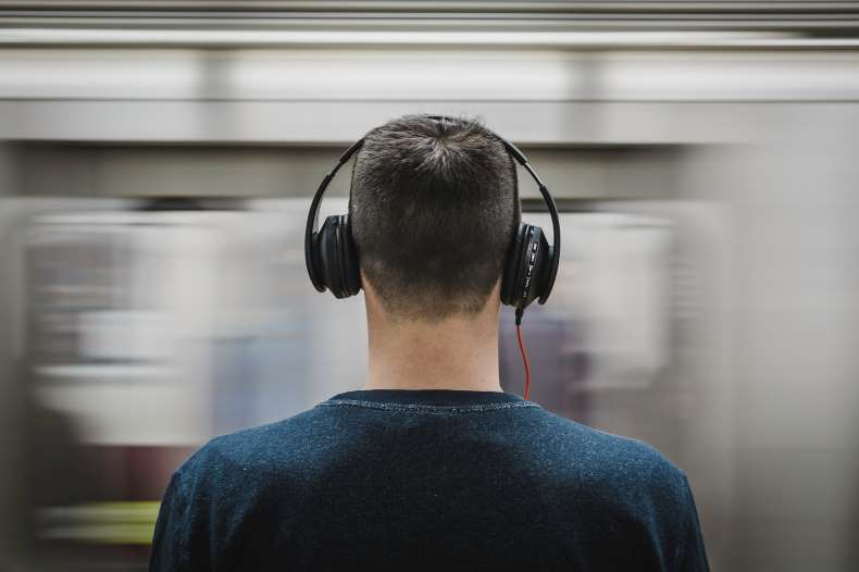 are noise cancelling headphones worth it