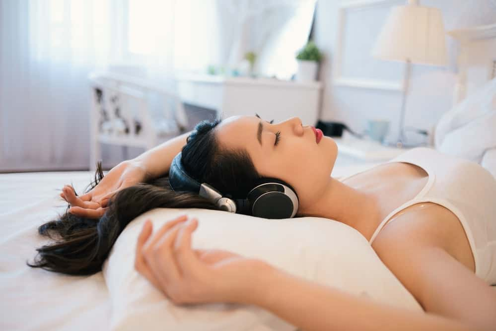 is it bad or safe to sleep with noise cancelling headphones