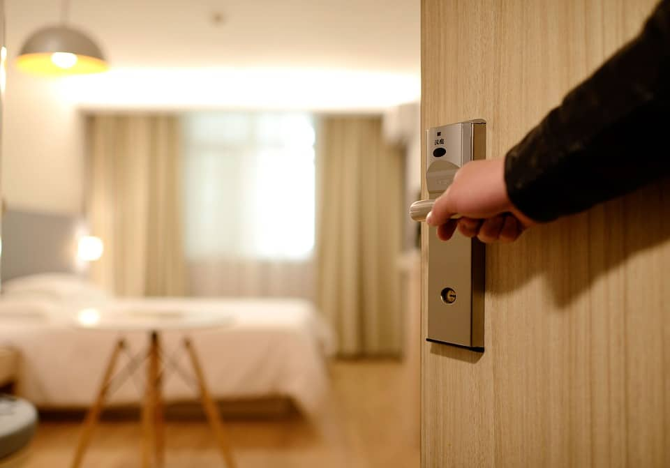 soundproof hotel door