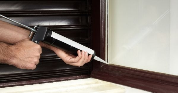 9 Best Acoustic Caulk Options For Windows And Door